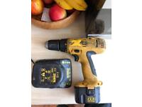 Dewalt drill 12V 2.0Ah two battery and charger