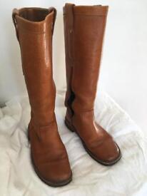 Clarks originals knee length tan leather boots