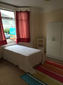 Large double room ONLY *£180 p/w*