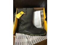 Dewalt Tungsten Waterproof Rigger Boots Size 12 Brand New
