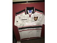 99 Manchester United shirt multi signed