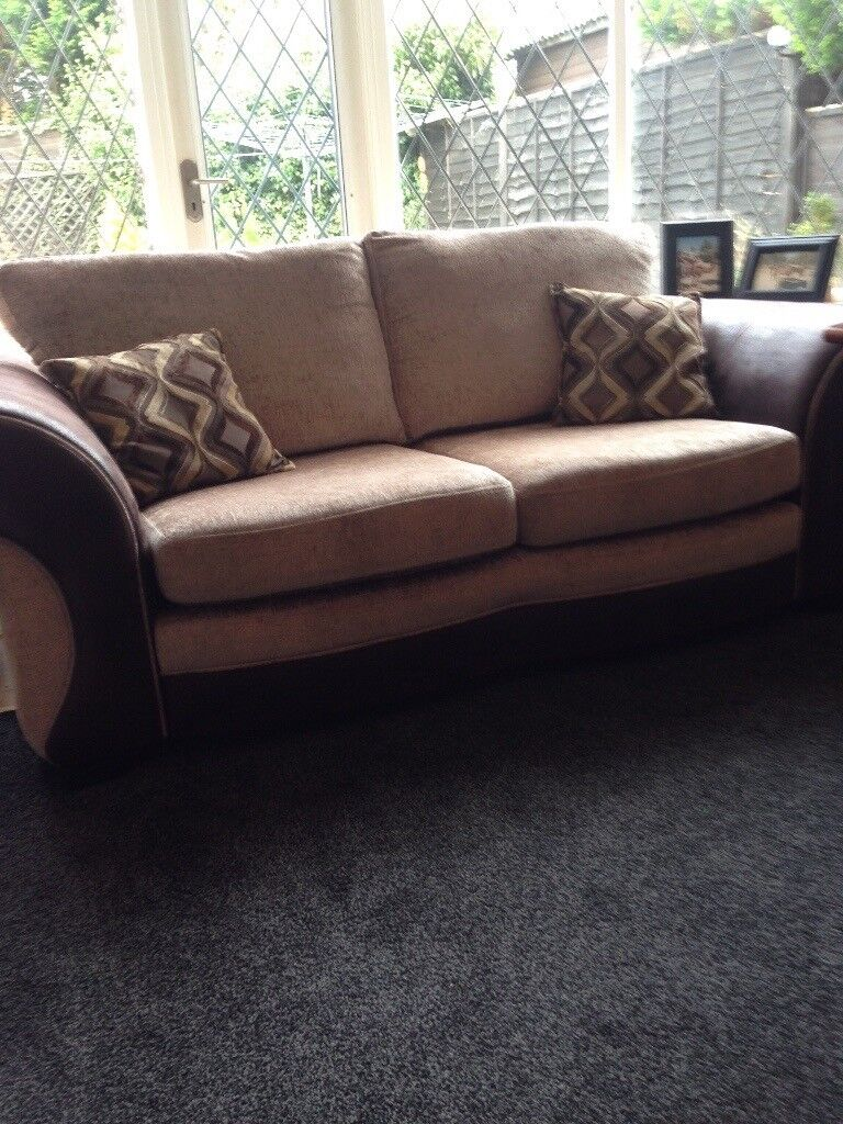 2 x Sofas Immaculate Condition