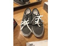 Vans trainer/shoes like new with receipt.