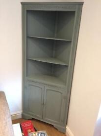 Vintage style corner unit