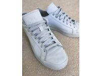 Adidas court vantage adicolor trainers Size 6