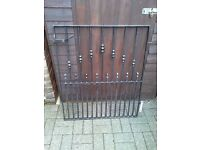 Metal garden gate, good condition, 32 inches wide 39 inches high,