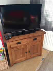 Solid oak sideboard / tv Cabinet