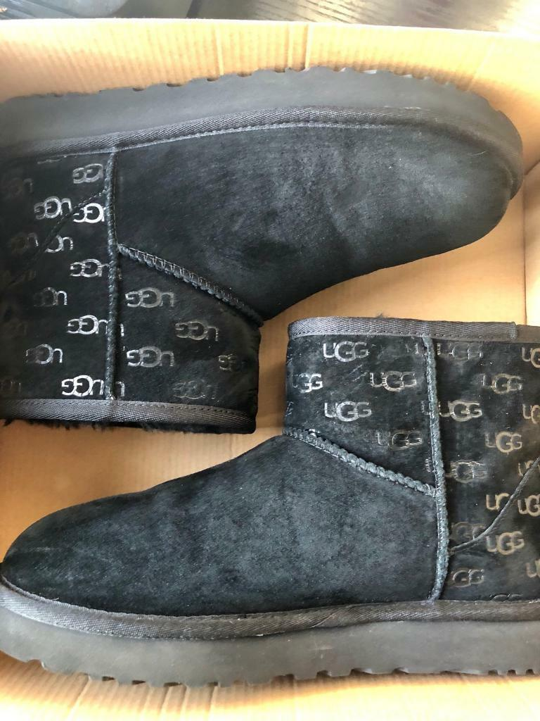 1ba1bfcaf85 Ladies Black UGG Classic Mini II - LOGO EXCLUSIVE boots size UK 7 | in  Barnet, London | Gumtree