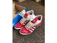 ***GENUINE***SIZE 6 UK TOP TEN SLEEK HI BOW III RED ADIDAS TRAINER BOOTS GREAT CONDITION HARDLY WORN