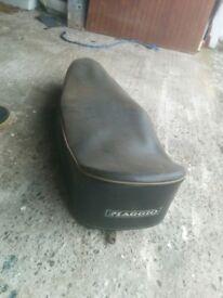 Vespa smallframe seat