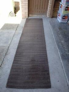4 x runner rugs and 2 large rugs. VGC. wool pile Paradise Point Gold Coast North Preview