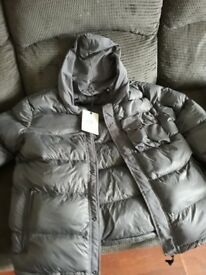 Brand New Coat ( Genuing ) £550 Brand New Want £350 No holding as its advertised On Orther sites