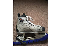 Good condtion ice skates for sale.