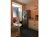 2 bed flat London Bridge for a 2/3 with garden