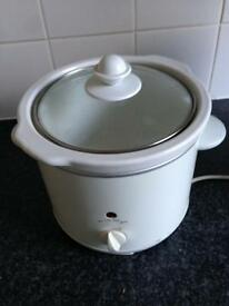 Slow cooker. £7. (Sorry Sold)