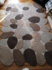 Large pebble rug