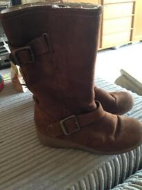 Size 2 Girls M&S fleece lined boots