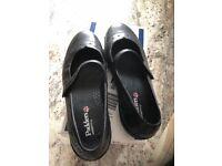 Wide fit ladies flat shoes size 8