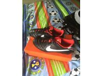 Nike football boots size 9 brand new