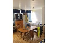 BED IN TRIPLE ROOM FOR MAN AVAILABLE NOW IN ROEHAMPTON ALL BILLS INC/70£Pw
