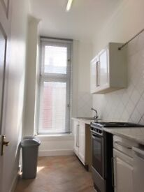 1 BED VERY SPACIOUS UNFURNISHED FLAT IN COMMERCE STREET