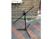 Sturdy microphone stand in top condition