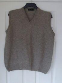 Men's Sleeveless Lambswool Sweater Size XL
