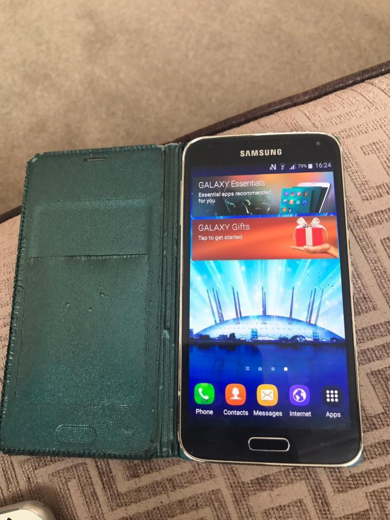 Galaxy s5 16GBin ManchesterGumtree - Great condition comes with a case and charger. No boxWorks with o2 but maybe be unlocked just not tried