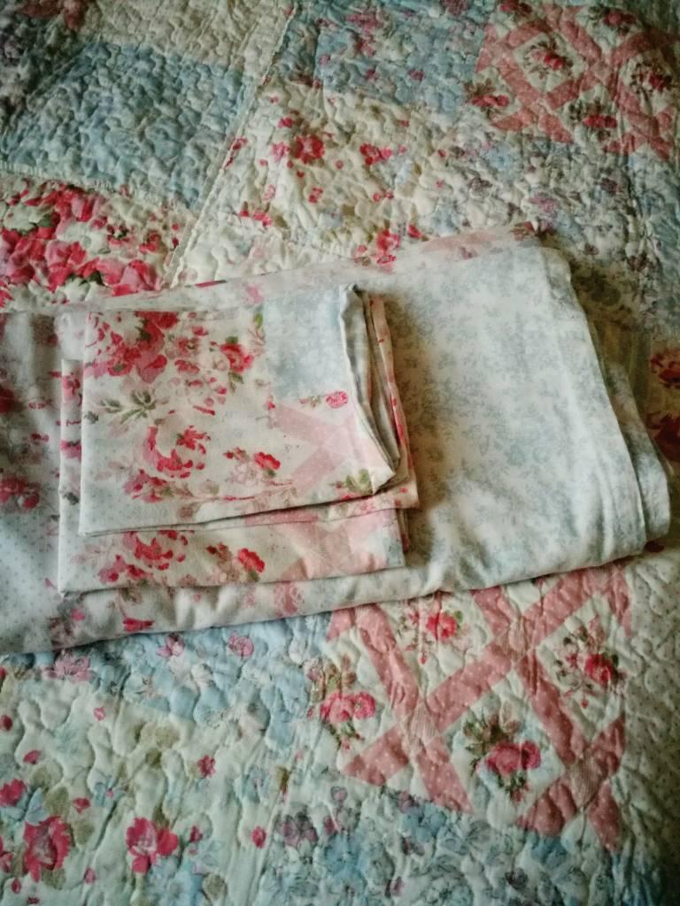 Bedspread + double duvet cover + 2 pillows