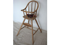 HIGH CHAIR BEAUTIFUL WOOD DESIGN EASILY DISMANTLED HARNESS INCLUDED