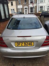 Mercedes- Benz E220