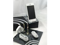 Apple iPhone 5s Mobile Phone, Network UnLocked, 16GB Capacity Silver Grade C with 12 Months Warranty