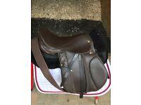 """Beautiful English leather GP saddle 17"""" Medium"""