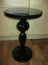 black gloss round table/plant stand H 56 cm