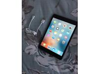 Apple iPad mini A1432, wifi . Fully working
