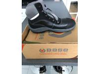 BASE Safety boots size 8