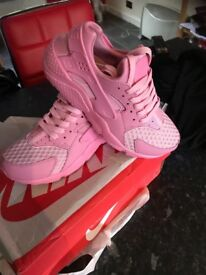 Brand new in box pink Nike Huaraches
