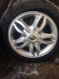Renault Clio alloys £100 with tyres