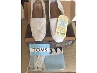 TOMS SHOES BRAND NEW IN BOX FROM HOUSE OF FRASER THIS SEASON