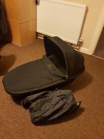 Quinny foldable carrycot + raincover
