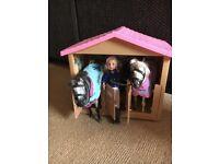 Pony parade stable, 2x horses & rider