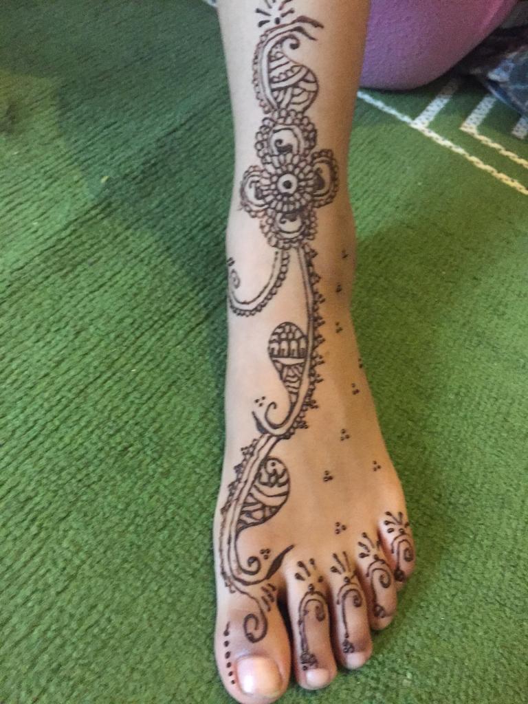 Henna models needed