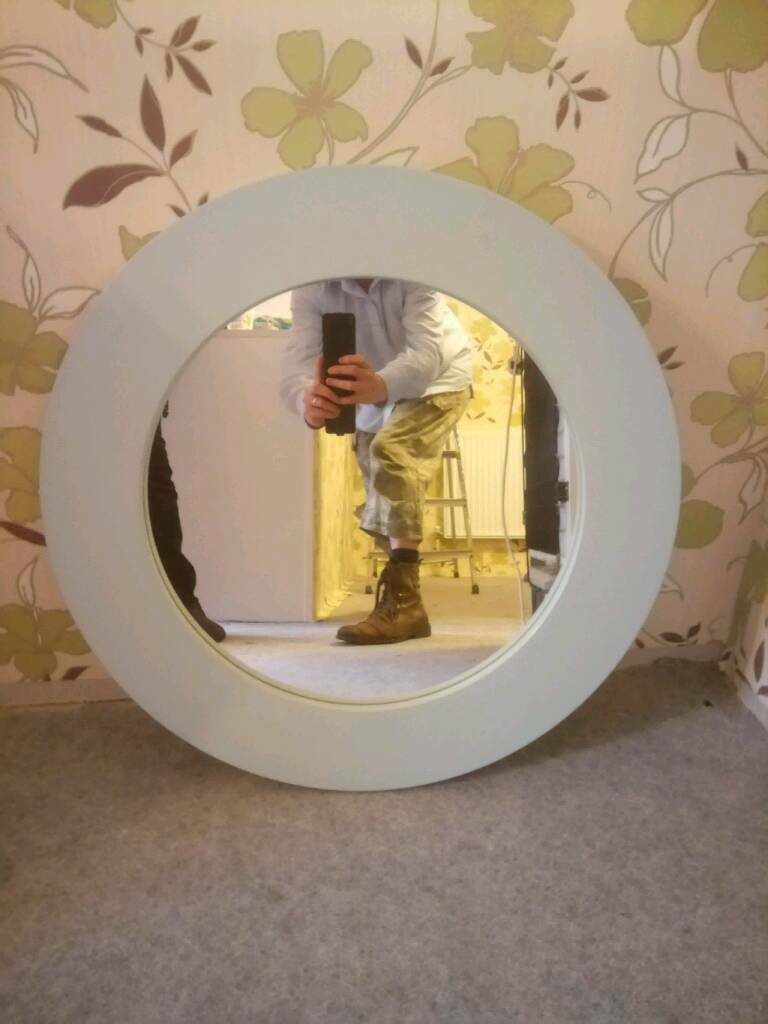 Shabby chic blue large round beautiful mirrorin Poole, DorsetGumtree - Shabby chic blue large round beautiful mirror wall mountable having a change of decorSize is 70 cm wide