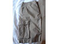 """GAP Men's khaki shorts waist 33"""" NWT"""