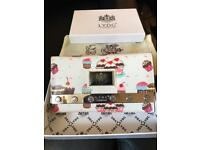 STUNNING Brand new LYDC Oilcloth Designer Cup Cake Purse Wallet With Gift Box.