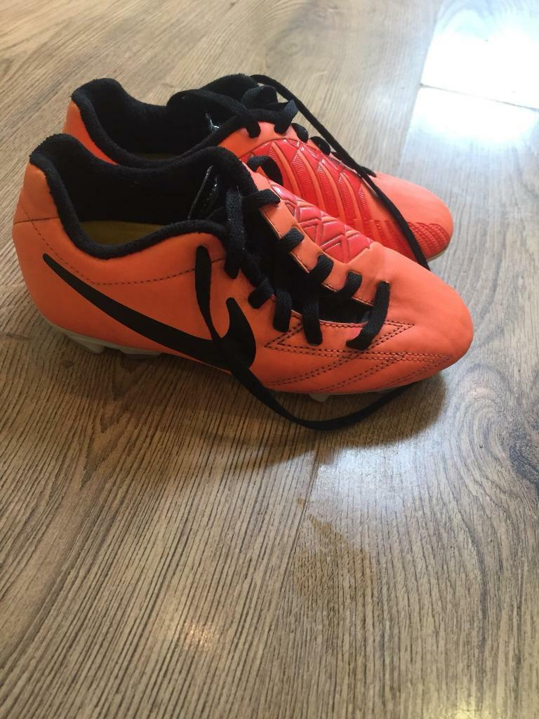 c5879df0ec10 Nike football boots size 13 infant | in Macclesfield, Cheshire | Gumtree