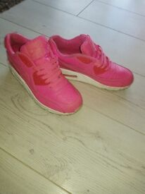 Womans size 5.5 pink nike trainers
