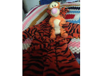 Disney Tigger 6-9 months Dressing Gown with tigger soft toy.