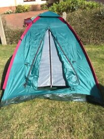 Childrens BEACH or camping tent NEW takes 2 mins to erect ideal fo