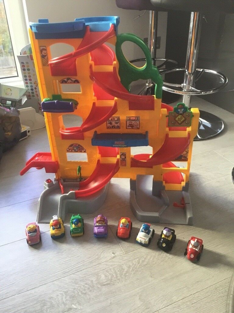 Fisher Price stand & play garage